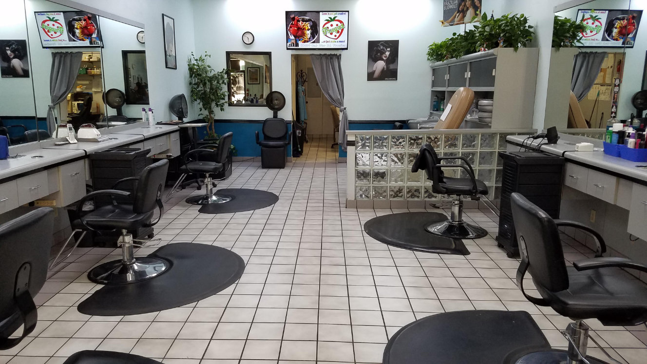 Inside of Clippers Family Cuts